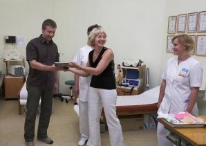 Rīgas Krēslu Fabrika dāvina Bērnu slimnīcai