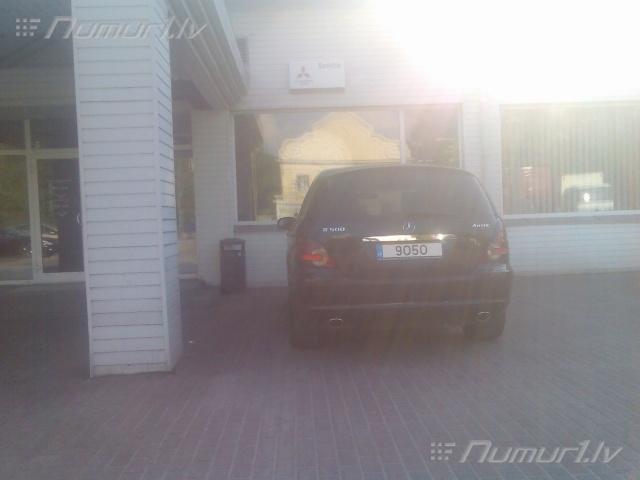 Numurbilde 9050
