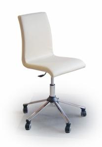 Rīgas Krēslu Fabrika (RKF) rīkos unikālu, apgleznotu krēslu izsoli